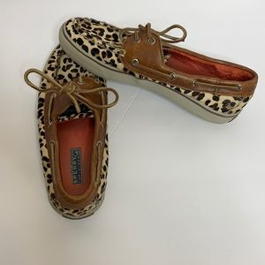 Sperry   Animal Print Fuzzy Size 8 Loafer Shoe
